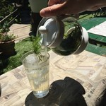 ミーシャのハーブ庭園 ブーケ ダルブル - 注いでアイスティーに