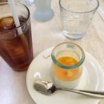 ブラッスリー ルヴェ ソン ヴェール - 紅茶とマンゴーパンナコッタ