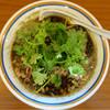 ラーメン暁 - 料理写真:201610 期間限定「牛肉とパクチーの辛いラーメン」(950円)
