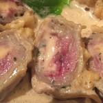 旬菜ステーキ処 らいむらいと - チーズを巻いたレアな牛肉がたまらない。