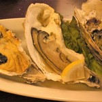 三陸ワイン食堂 LE ALE - 焼き牡蠣三種盛り   1,200円