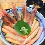 おけしょう鮮魚の海中苑 - 料理写真:カニ・エビ丼1,620円