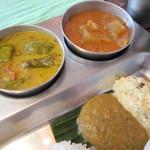 カルナータカー - 冬瓜のサンバルと、野菜のココナツカレー♪チャトニ。