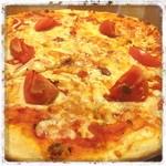 ブル・チェーロ - フレッシュトマトとアンチョビのピッツァをいただきまーすっ!