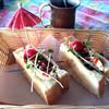 PAPUA CLUB - 料理写真:フィジーの木かげ は ハンバーグと玉子のサンド