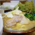 らあめん寸八 - [2016/10]豚骨醤油らあめん(756円)