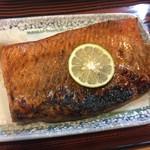山屋 - 鮭のハラス焼きです。