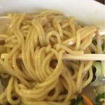 中華 つけ麺 はるき - 野菜タンメン、麺アップ