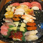 根室花まる - 今回の持ち帰り寿司(約5,000円)