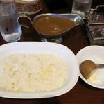 ラ・ファミーユ - 料理写真:・「ビーフ 中辛(\950)」2016年2月ver