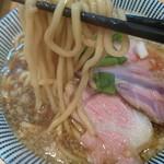 57577502 - にぼし醤油ラーメン700円→太麺の麺を使用