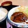 エスキース - 料理写真:ミンチカツ定食コーヒー付【950円】柔らかジューシー系でなく、しっかりした歯ごたえ系。