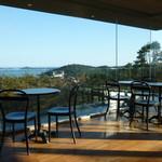 ロマン - 全面ガラス張りなので松島が目の前に広がります