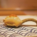 鮓 きずな - とてもミルキーな牡蠣は昆布で〆て。
