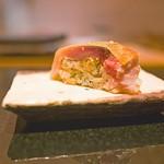 鮓 きずな - 料理写真:最初がいきなりの棒寿司。さすが大阪。