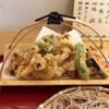香季清流庵 - 料理写真:種類も豊富な天ぷら衣は薄くサクサク美味しいです。