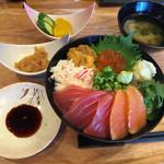浜焼きしんちゃん - 贅沢海鮮丼セット