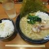 横浜家系ラーメン 代々木商店 - 料理写真:とんこつ醤油¥680-