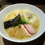 中華soba いそべ - 白旨にこにこワンタン麺 900円 + 大盛100円