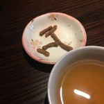 三國家 - 最初に出てくるそば茶と上げ蕎麦