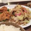 春夏秋冬 - 料理写真:野菜炒め+からあげ680円