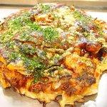57714589 - ミックス焼 1250円 の海老、タコ、イカ、豚、ちくわ、蒟蒻