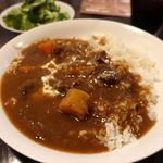 南平台 ラウンジ - 牛スジ煮込みカレー(大盛無料) 990円