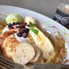 ブラックスミスコーヒー - 料理写真:スペシャルメレンゲパンケーキ