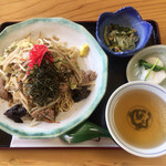 と代春 - 炒めそば(ソース味) ¥650
