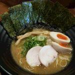 麺屋 勝道 - 鶏出汁醤油、海苔、味玉