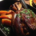 カ'ジーノ - 骨付き豚スネ肉のアイスバイン…まるで漫画のお肉です♪