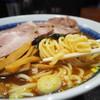 中華そば べんてん - 料理写真:もっちりムチムチの麺リフト
