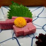 寿司 料理 まるも - 料理写真:中トロの刺身です。