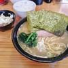 巓 - 料理写真:ラーメン700円、ライス100円、キャベチャー100円
