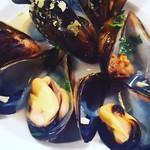 グータン - ムール貝の白ワイン蒸し