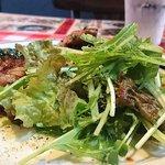 ボイス - VOICE @葛西 ランチ 厚切りローストポーク に添えられる水菜などのサラダ