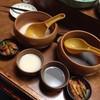 なじみ亭 - 料理写真:お通し&マッコリ&黒豆マッコリ