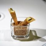 メイ - 豚とごぼうのリエット ポテトのピュレ コルニッションのコルネ