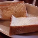 57863275 - トースト単品(¥80)塩バター塗り焼き(¥60)