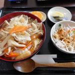 月や - 料理写真:新メニュー 五目あんかけ丼定食 650円(2016年10月)
