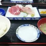 魚市場食堂 - おさしみ定食