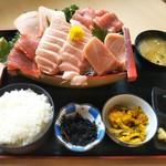 みっちゃんの魚や食堂 - まぐろ船定食