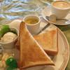グリーングリル - 料理写真:ブレンドコーヒー400円とトーストのモーニング