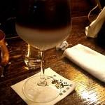 57918955 - 妻がオーダーしたアイスカフェラテ(¥770)です!まろやかなミルクとシャープな味わいのコーヒーがマッチしてものすごい美味です!