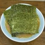 ラーメン麺太郎 - 料理写真:ラーメン600円麺硬め。海苔増し100円。