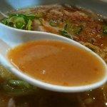 麺屋 雪風 - 味噌は濃厚というだけあって、結構深い味