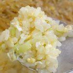 四川一貫 - まずは炒飯から食べてみると、しっとりとした仕上がりで、玉子の風味に加えて軽く塩気が感じられるシンプルな1品。