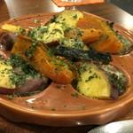 大衆ワイン酒場バルバル - 砂肝のエスカルゴ風 ほぼ芋とかぼちゃ