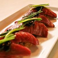 和牛炙り寿司(四貫)