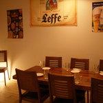 MANDA - 2階には25席のテーブル席があります。グループでお気軽にご利用ください。